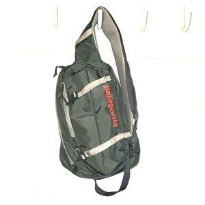 Patagonia sling bag- like new!